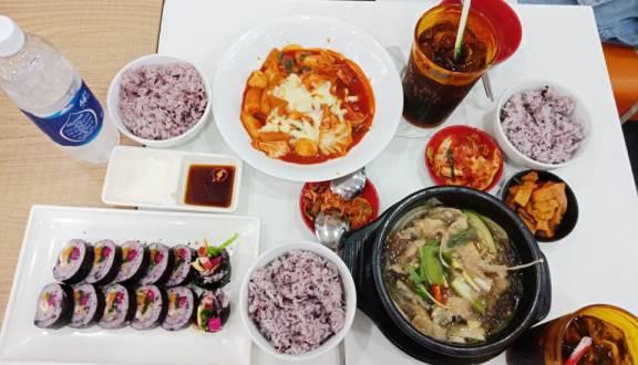 Kết quả hình ảnh cho Hanuri – Quán ăn Hàn Quốc