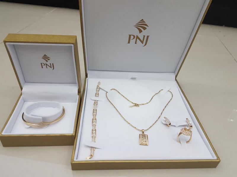 Cửa hàng PNJ tiệm trang sức đẹp nhất TP. Pleiku, Gia Lai