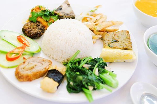 Quán chay Ánh Quang Quán ăn chay ngon nhất, giá rẻ ở Pleiku - Gia Lai